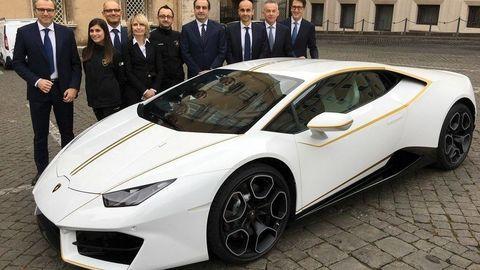 Pápežove Lamborghini vydražili za vyše 700 tisíc!