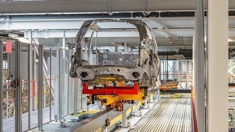 Jaguar Land Rover otvoril Tréningovú akadémiu, začiatok výroby sa rýchlo blíži
