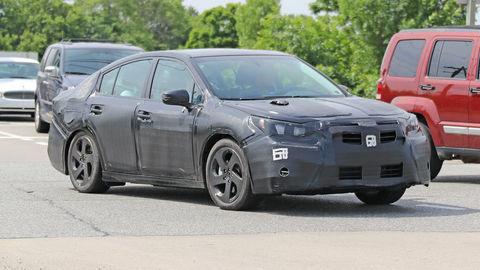 Subaru pripravuje nové Legacy, bude jazdiť aj na dva valce