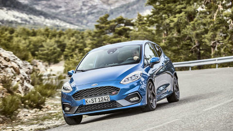 Ford Fiesta ST: Focus RS v malom