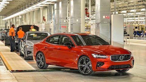 Je Volvo S60 najkrajší sedan v strednej triede?