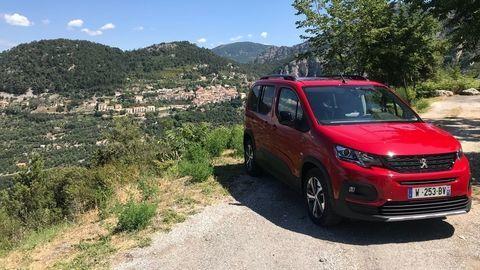 Motoring: Peugeot Rifter a recept na naše nekvalitné cesty Citroen C4 Cactus