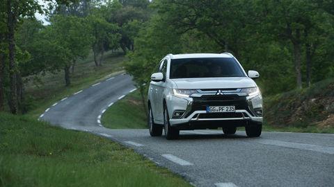 Najvýkonnejší Opel GrandlandX a Mitsubishi Outlander plug-in hybrid s novou technikou