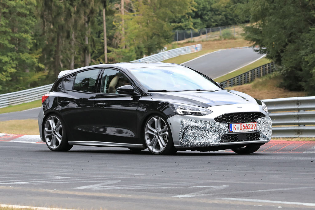 Content ford focus st 004