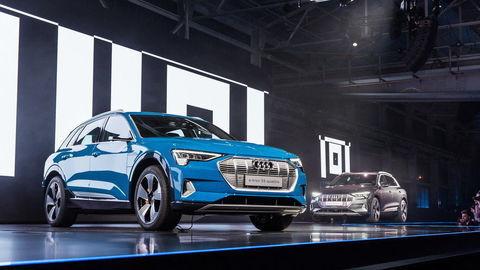 Audi e-tron posúva komfort spolužitia s elektromobilom najbližšie ku konvenčným autám