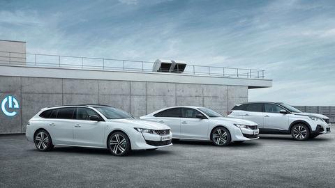 Peugeot uvedie plug-in-hybridy o rok
