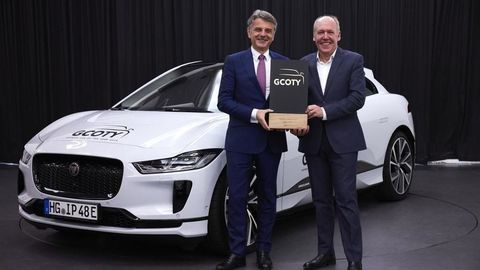 Thumb g coty dr. ralf speth  jaguar land rover ceo and ian callum  jaguar director of design  left to right  with 2019 jaguar i pace   european model shown