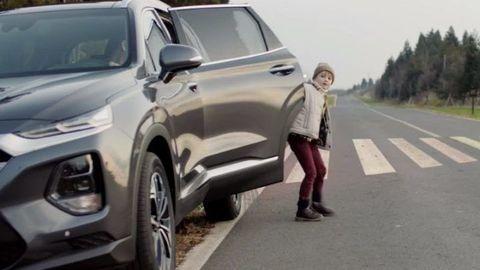 Aby vaše deti nevystúpili autu pod kolesá ...