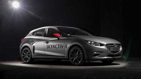 Mazda výrazne elektrifikuje, ale nevzdáva sa ani naftových motorov