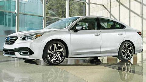 Subaru do nového Legacy natlačilo veľký dotykový displej