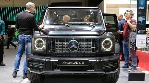 Mercedes-Benz lídrom 2 segmentov