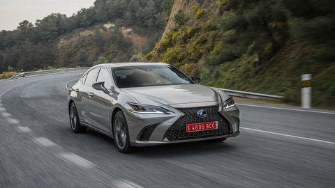 Lexus ES: Zaujme tichom, komfortom a luxusným priestorom