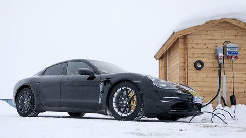 Porsche Taycan: revolučný elektromobil predstavia už na jeseň