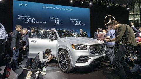 Mercedes odhalil novú triedu GLS, má špeciálny režim pre umývanie