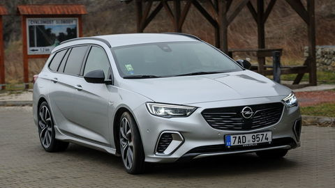 Opel Insignia GSi ST 2.0 CDTI BiTurbo: Cestovné auto špičkovej triedy