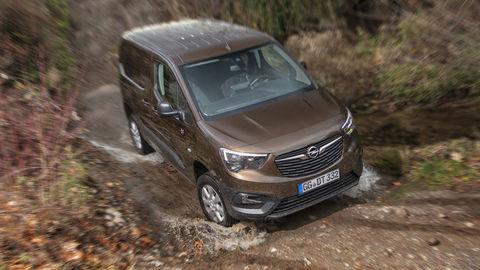 Úžitkový Opel Combo Cargo prichádza aj s pohonom 4x4