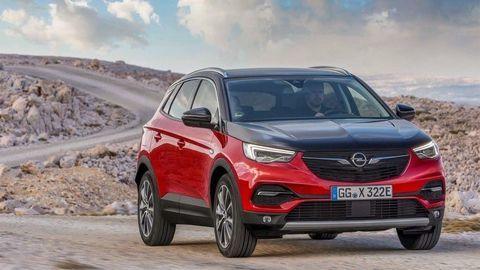 Opel Grandland príde ako Xplug-in hybrid s pohonom všetkých kolies