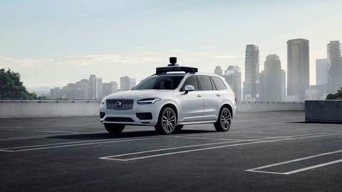 Volvo a Uber predstavili sériové autonómne auto
