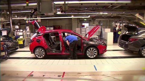 Nový Opel Astra zNemecka amožno aj Británie