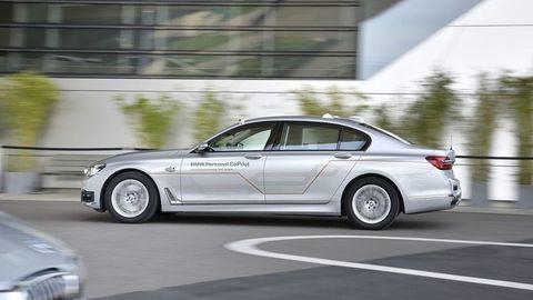 Ako jazdí autonómne BMW? Vyskúšali sme naživo