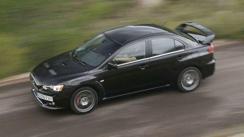 Nový Lancer Evolution? Mitsubishi možno vzkriesi legendu