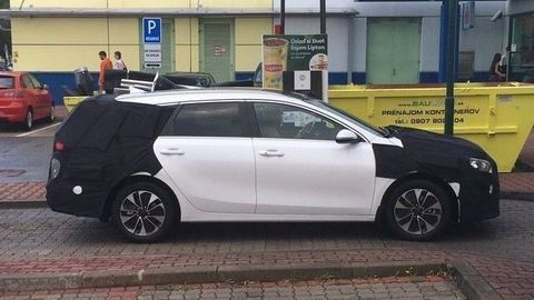 Kia Ceed Plug-In Hybrid už brázdi slovenské cesty v maskovaní