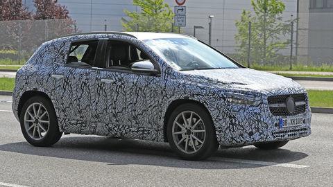 Nový Mercedes GLA bude priestrannejší a komfortnejší