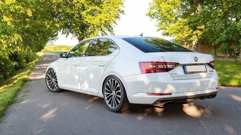 Tento nenápadný Superb je takmer rovnako rýchly ako Audi RS6!