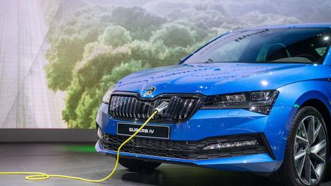 Škoda začala vyrábať prvý elektrifikovaný model