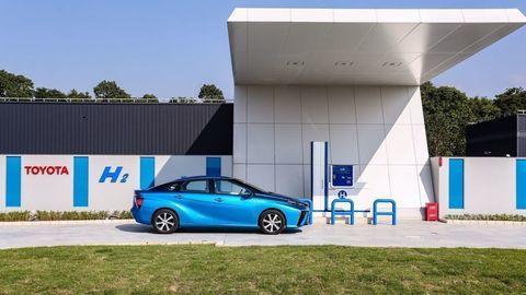 Aj vodík je budúcnosť. Prečo ázijské krajiny stavili na vodíkové autá?