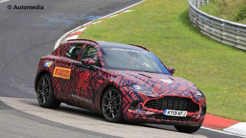Prvý športovo-úžitkový Aston Martin je už hotový
