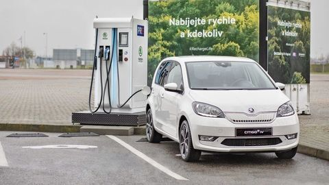 Škoda skúša rýchle nabíjanie elektromobilov pomocou zotrvačníkov