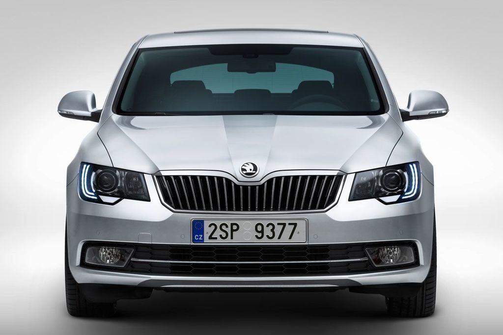 zvolávačka Škoda Superb 2