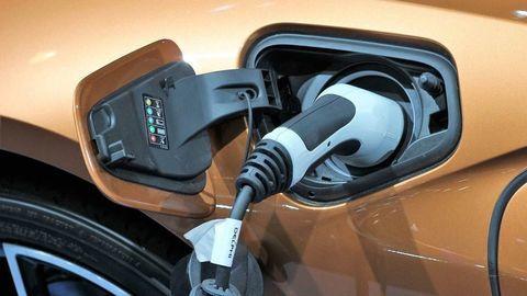 Online registrácia na dotácie elektromobility je pozastavená