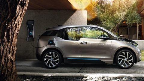 Dotácie elektromobilov sprevádza úvodný trapas. Žiadosti anulujú!