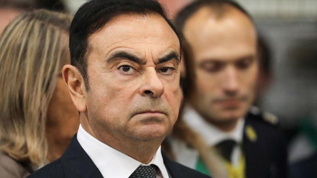 Carlos Ghosn utiekol