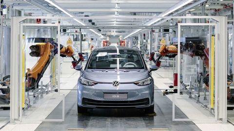 Nemecko v r. 2019 vyrobilo rekordne málo áut. Aký je dôvod?