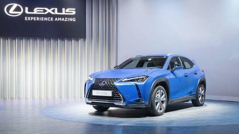 Elektromobil Lexus UX 300e sa zameria na akustickú pohodu