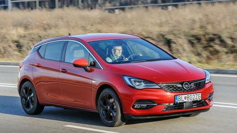 Opel Astra 1.4 Turbo CVT: Trojvalec z Ameriky