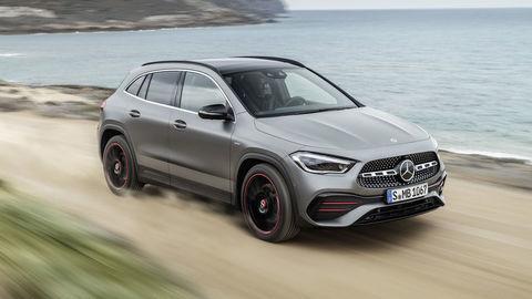 Mercedes-Benz GLA predstavili hneď aj v AMG verzii