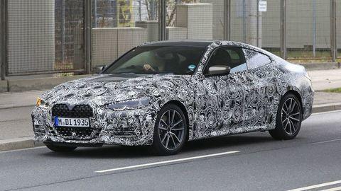 Zamaskované BMW 4 už kontroverznou maskou neprekvapí