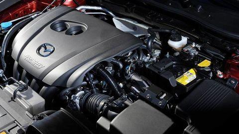 Mazda vidí budúcnosť v biopalivách. Pomôcť majú riasy!