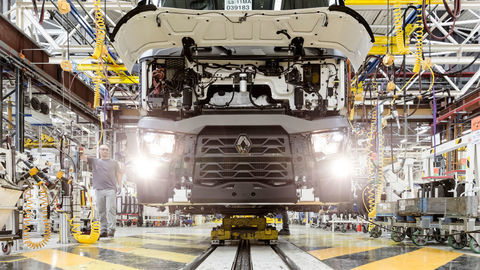 Renault Trucks postupne rozbieha svoje fabriky