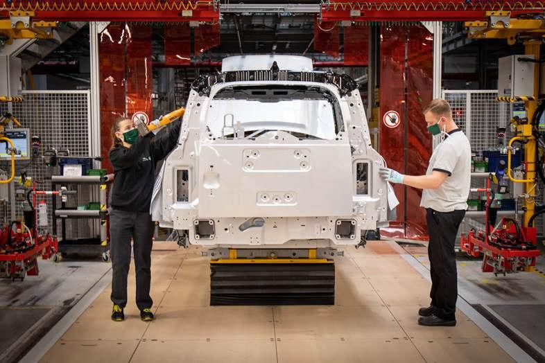 Jaguar Land Rover obnovil výrobu