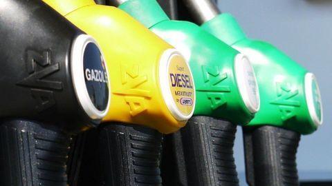 """Ceny benzínu a nafty porastú. """"Eurové"""" palivá sme si dlho neužili"""