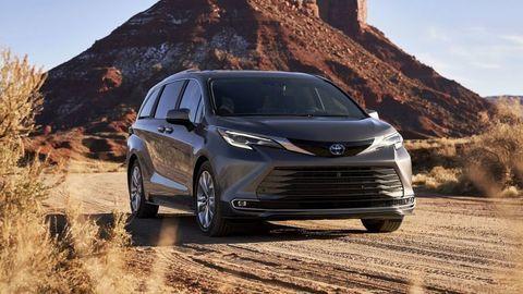 """Toyota Sienna a Venza sú nové """"americké"""" hybridy značky"""