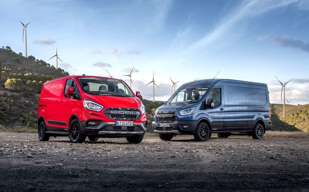 Ford Transit Trail a Active