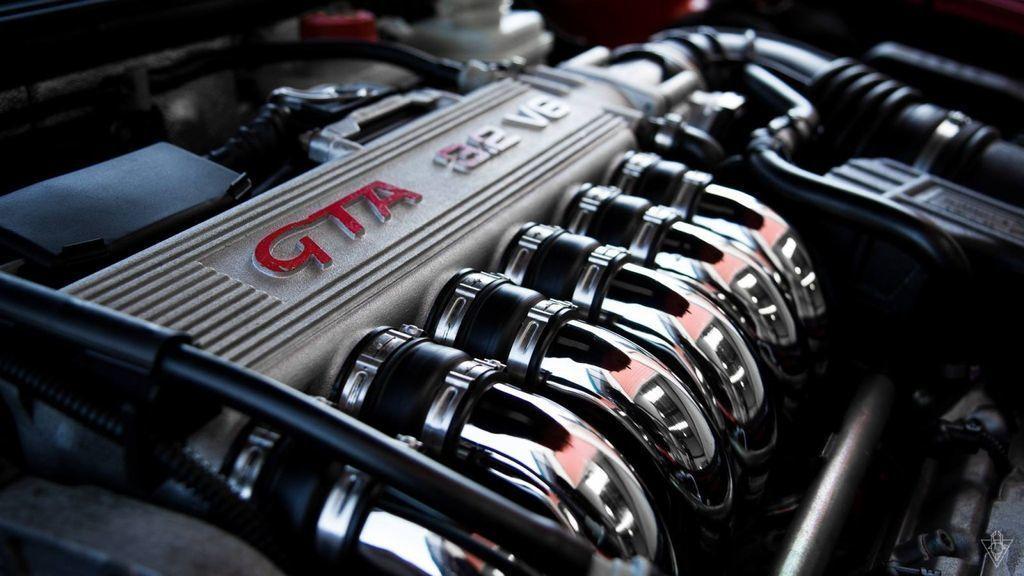 šesťvalcové motory radový vs vidlicový šesťvalec