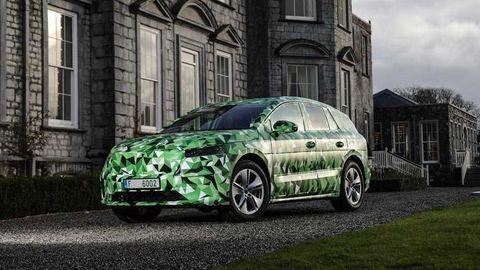Škoda Enyaq iV bude vlajkovou loďou. Ukáže sa 1. septembra v Prahe
