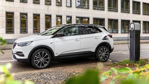 Opel Grandland X Hybrid spredným pohonom